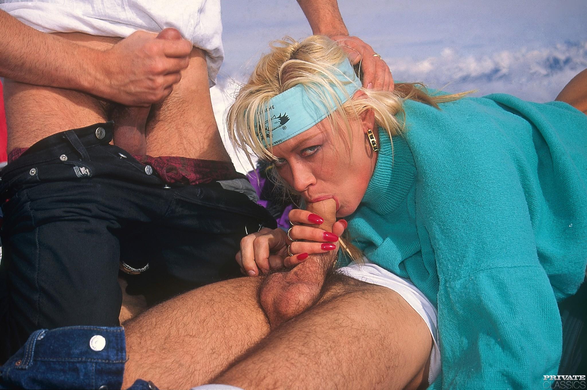 Смотреть горнолыжном курорте онлайн