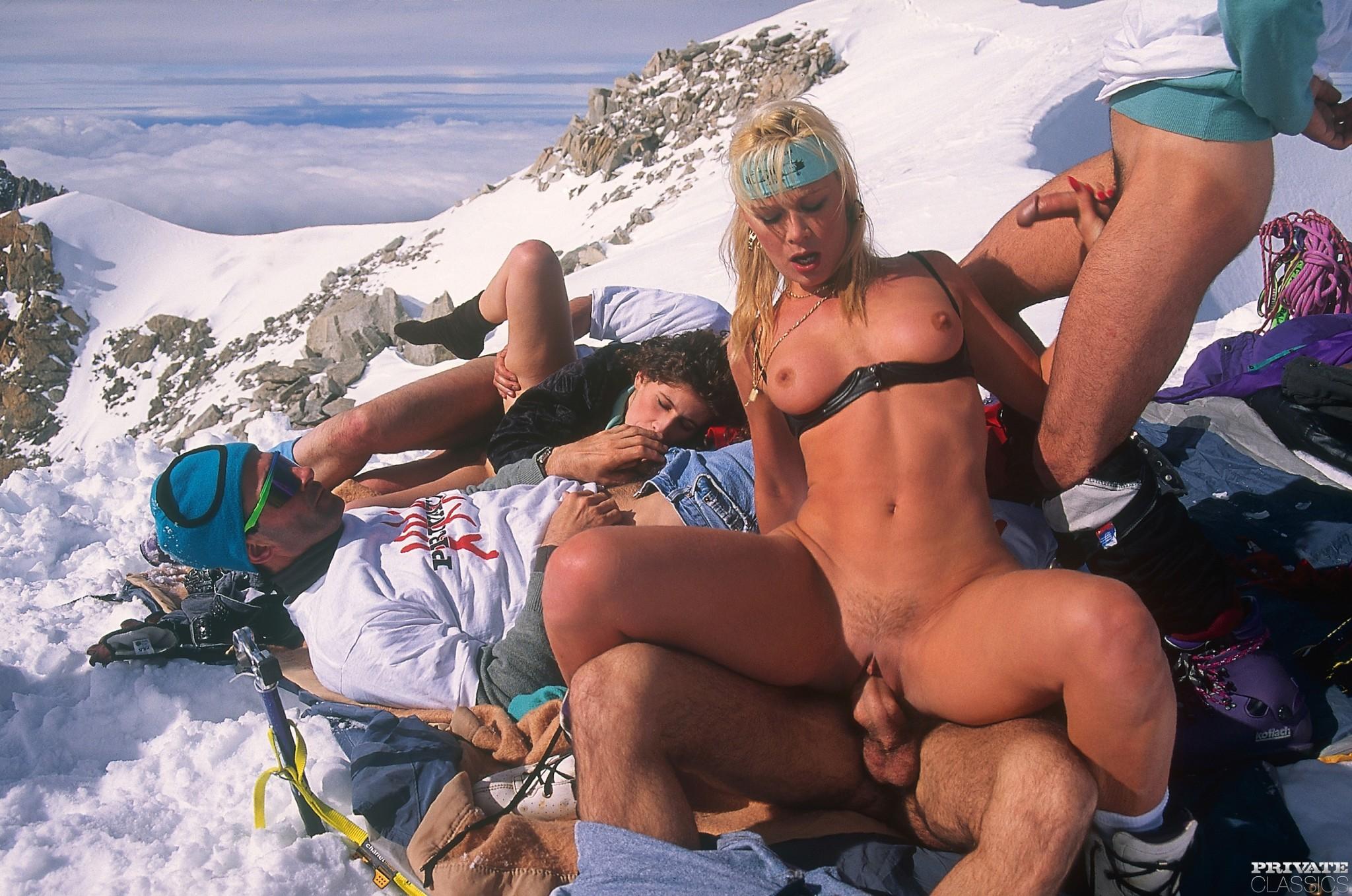 Смотреть секс горнолыжном онлайн