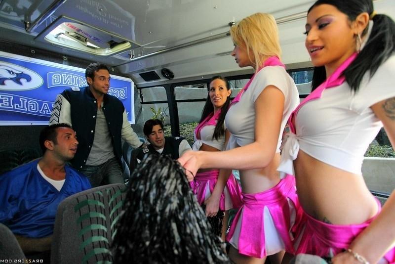 Смотреть автобус онлайн